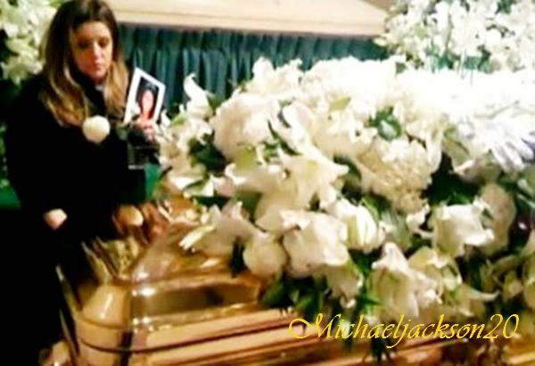 """25 Octobre 2010 : Interview de Lisa Marie Presley par Oprah Winfrey : """"Michael était comme une drogue pour moi"""""""