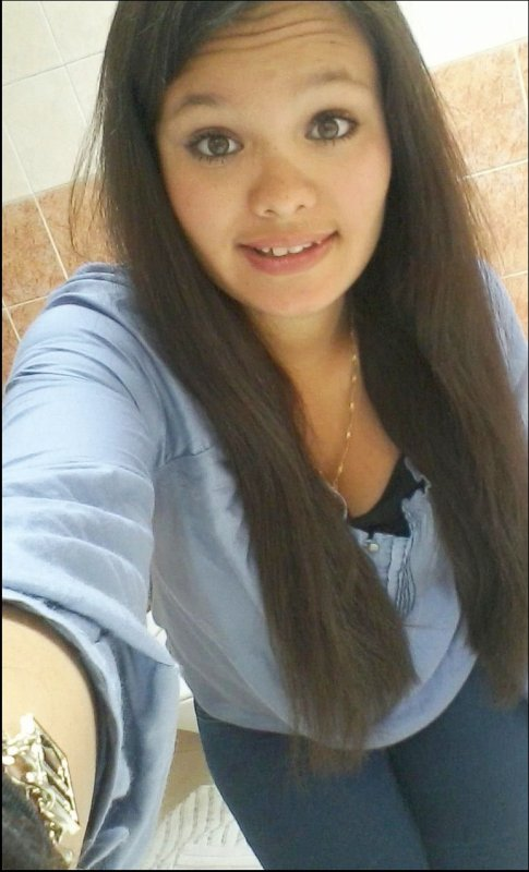 - Jessica -  01  juin  - 16 ans - 4ème secretariat   - Houdeng  - Celibataire.
