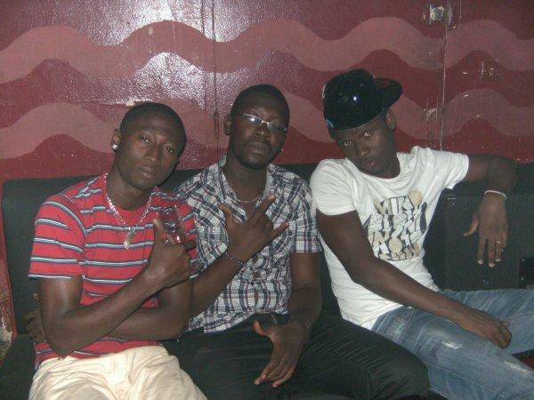 moi et deux algeriens