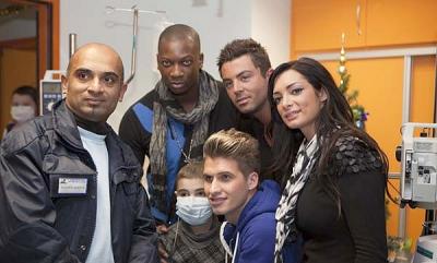 Se vendredi 22 Decembre Benjamin, Benoit, Emilie et Singuila etait a l'hopital pour s'occuper des enfants ateind du cancer