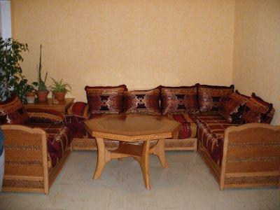 Salon 230 egyptien avec tissu rouge jaune salons for Salon egyptien