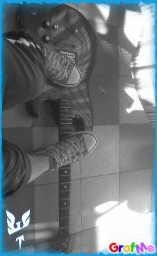 mà Joliie guitare