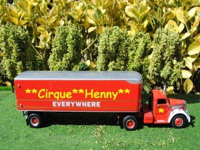 Nouveau camion pour le cirque !