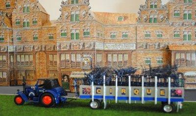 Le cirque arrive dans une ville aux Pays Bas