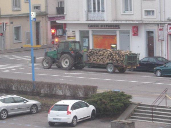 Passage dans la ville de Charmes 88130