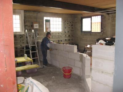 Le mur se monte l 39 atelier de tif 39 n et jp - Mur en beton cellulaire ...