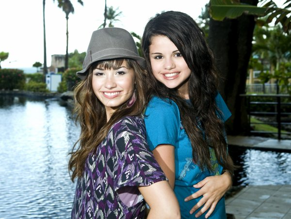Selena Gomez est fière de son amie Demi Lovato ♥