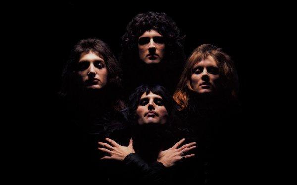 """Il est neuf heures du soir et tous les culs serrés de la planète sont vautrés dans leurs pantoufles sur leurs canapés, pendant ce temps là ceux qui aiment le rock'n'roll vont tomber dans le grand huit du rock'n'roll ! Vous écoutez Radio Rock, je suis Le Comte et je compte sur vous pour le compte à rebours de l'extase avec du """"All of the day and all of the night"""" !"""