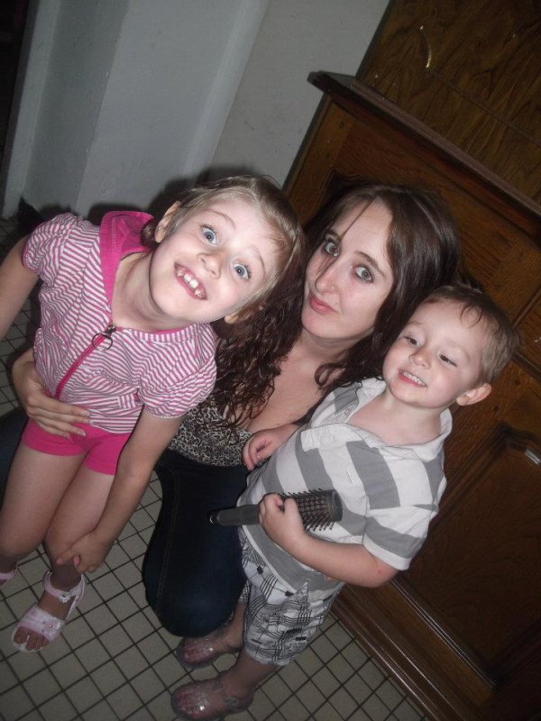 Laura , Moii & EnzO