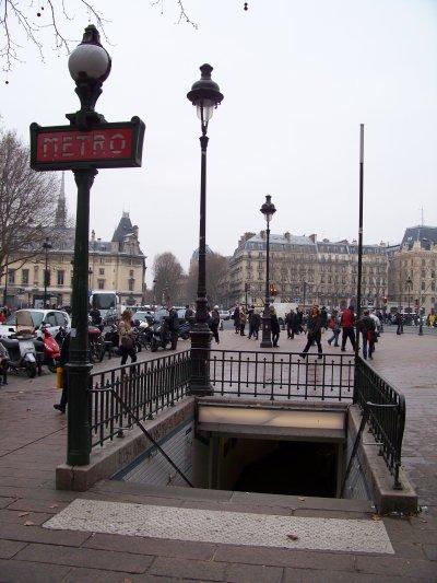 métro paris mâts Dervaux