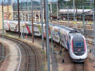 TGV dasye 746 rhin-rhône + demi rame La Poste