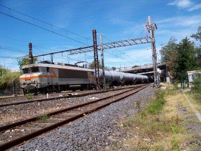 Z27500 TER Languedoc Roussillon; Class66 ECR; BB7200 train de fret à Montpellier 07/09/2011