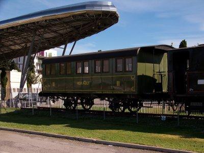 Locomotive vapeur + voiture ex ligne de Montpellier à Palavas les flots 07/09/2011