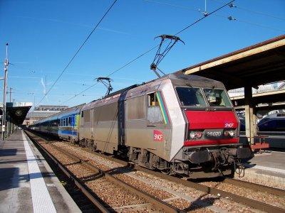 SNCF TGV IRIS 320 et BB 26070 Gare de Lyon 14/11/2011