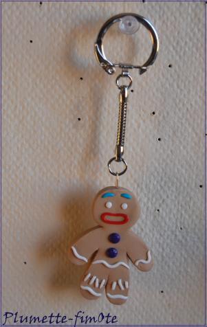 Commande de Lisa : un porte-clé ti biscuit et une parure Om̐ en fimo !