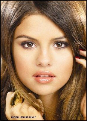 *Le clip Love You Like A Love Song de Selena Gomez. *