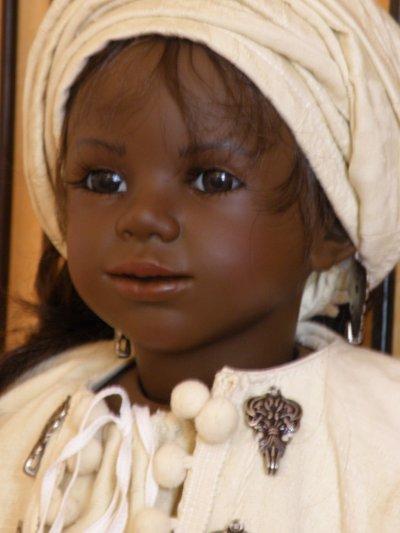 Edéis - poupée ethnique D'nenes de l'artiste Carmen Gonzalez