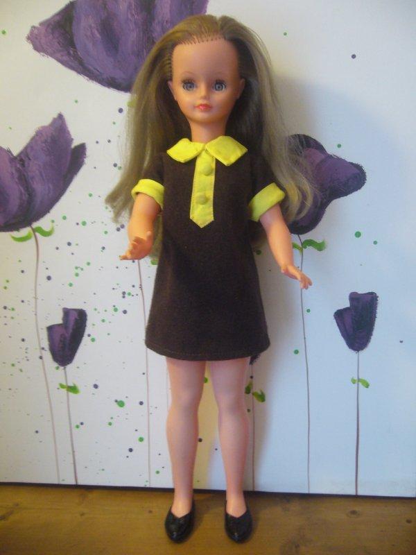 Cathie Bella 1968 en robe de présentation