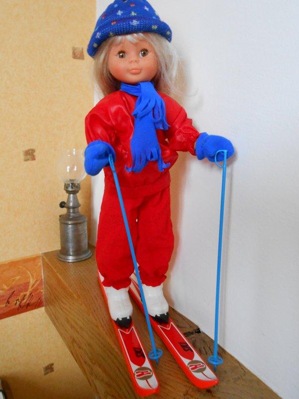 Poupée Nancy Famosa au ski 1986