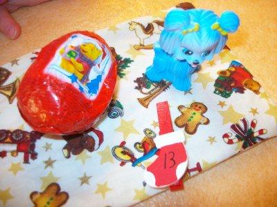Calendrier de l' Avent 2010 de Jade 17 ans et Jessica 2 ans et 4 mois lundi  13 décembre