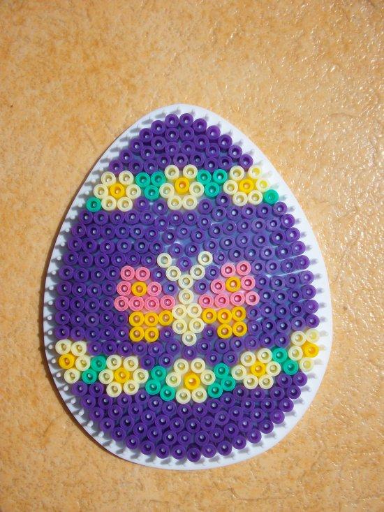 Perle Hama oeuf avec papillon