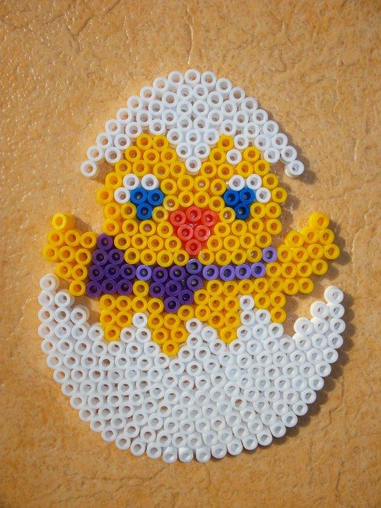 Perle Hama oeuf avec poussin