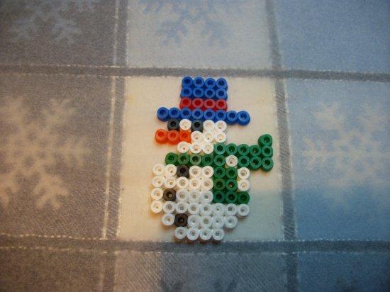 ange + bonhomme de neige 7+ chaussette en perle hama