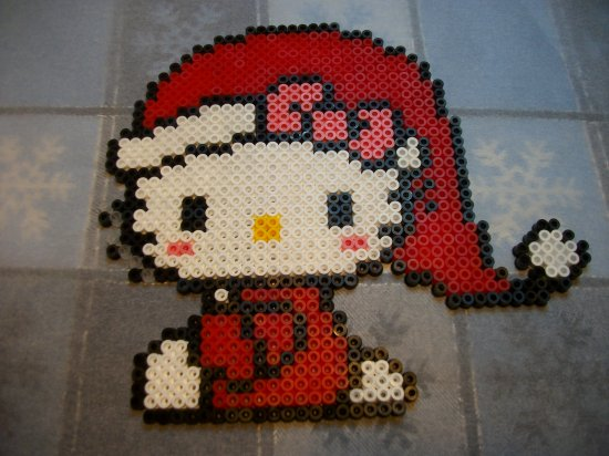 Hello kitty noël en perles hama