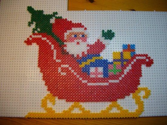 papa Noël 6  en perles hama