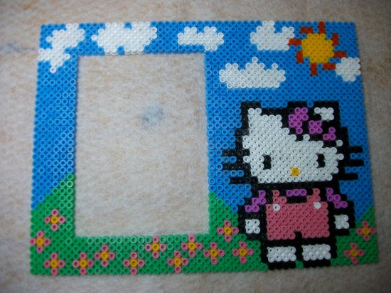 Cadre photo Hello kitty  en perle hama