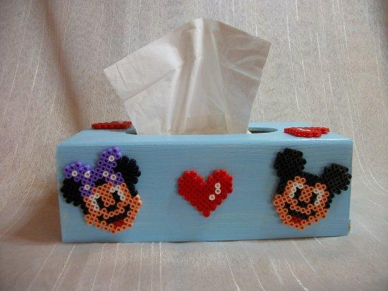 Boite a mouchoir Mickey et minnie en perles hama