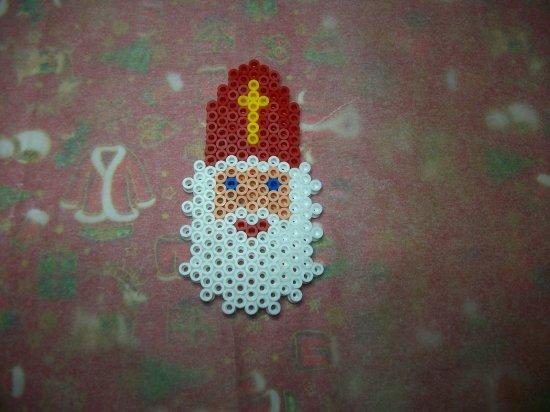 Saint Nicolas en perles hama ou perles a repasser  6 décembre