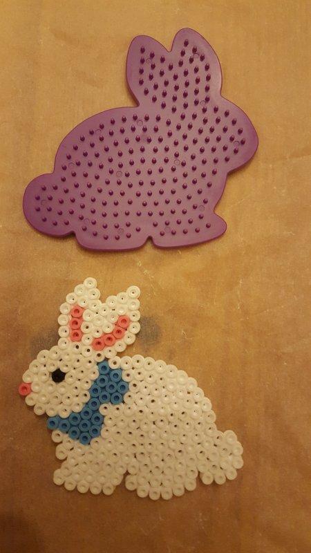 Petit lapin blanc en perle hama