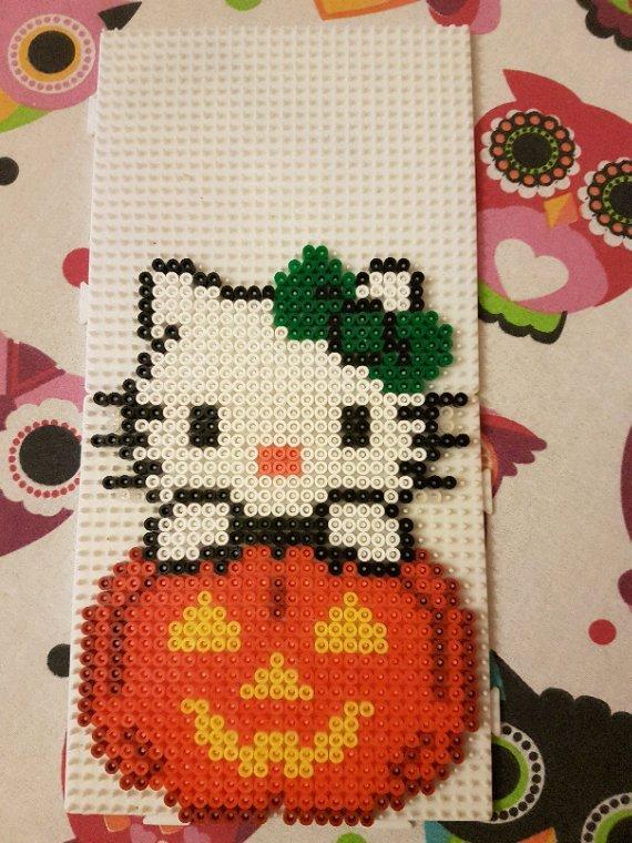 Hello Kitty citrouille en perles Hama.