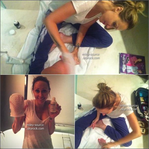 Nouvelles photos que Miley a postée sur son compte Twitter.