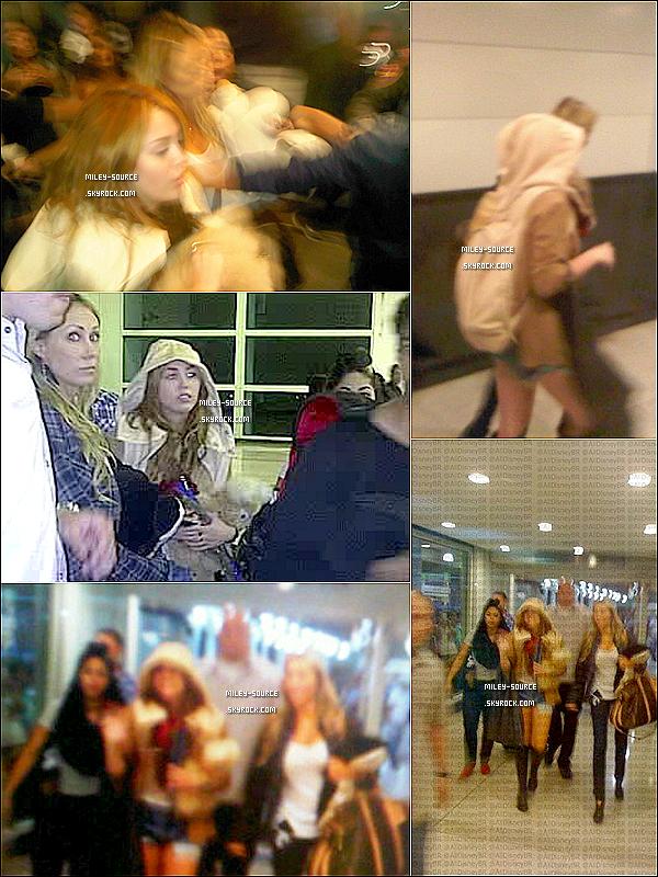 12/05/2011 | Miley et toute l'équipe du « Gypsy Heart Tour » étaient à l'aéroport du Venezuela .