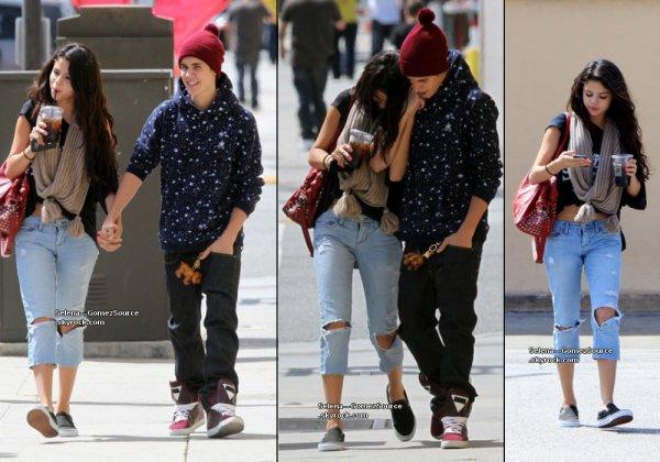 05.04.12 : Selena et Justin Bieber sont allés déjeuner au restaurant Panera Bread à Los Angeles.