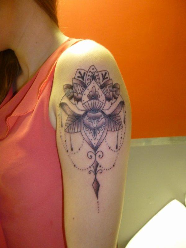 tattoo oriental femme