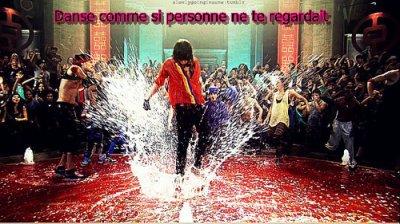 ☠ Danse comme si personne ne te regardait ☠