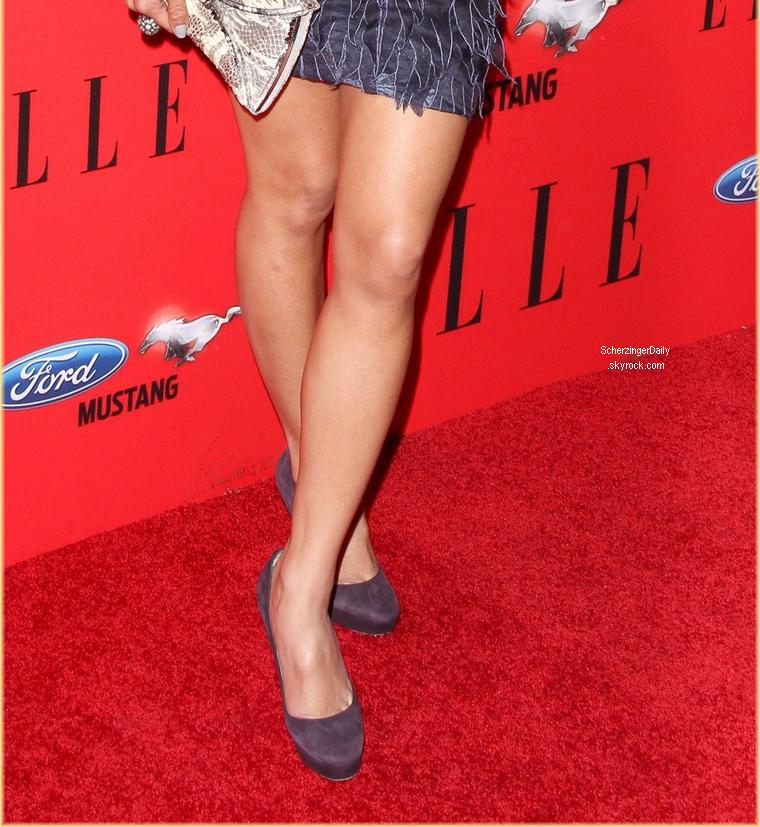 -- Mercredi 11 Avril 2012 : Nicole c'est rendu au troisième ELLE Women In Music Event qui célèbre les femmes dans l'industrie de la musique.  Pour cette soirée, Nicole portait une très jolie robe courte et dos nue signée Tony Ward accompagné d'escarpins du célèbre Jimmy Choo ; Top! --