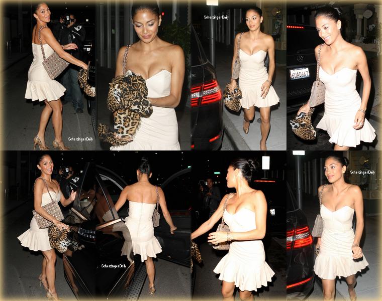 -- Lundi 07 Mai 2012 : Après un séjours en Europe au coté de Lewis Hamilton,  Nicole a été vue au Bouchon Bistro à Beverly Hills.  C'est assez rare pour le noter, Nicole ne porte pas une tenue sombre! En effet elle porte une très jolie robe courte bustier blanche ; Top! --