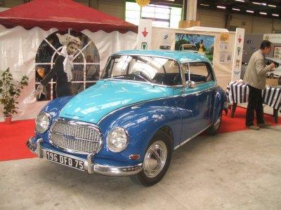 """salon des """"voitures anciennes """" au Bourget"""