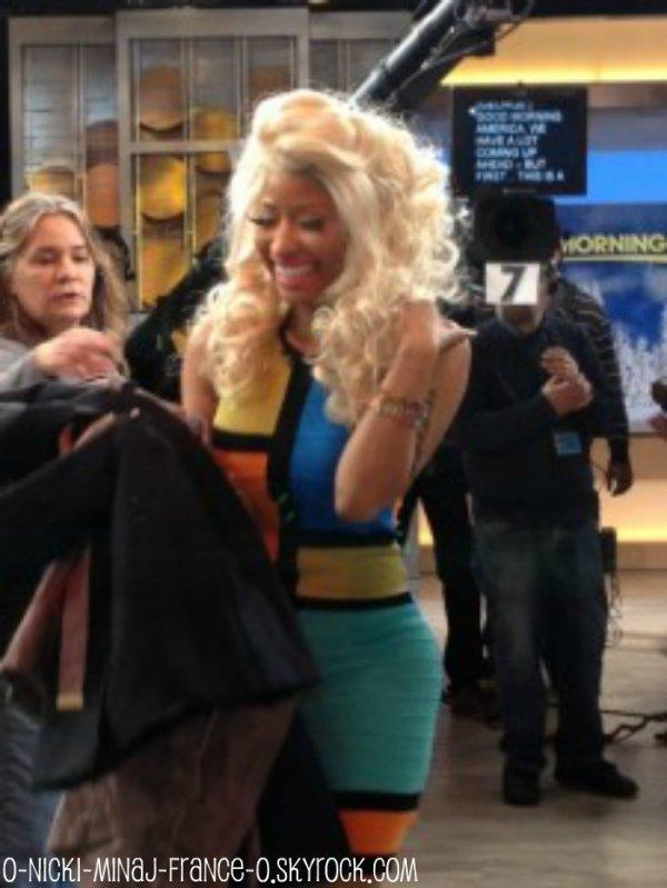 Le retour de Nicki sur le plateau Good Morning America ! + Photoshoot for VIBE.