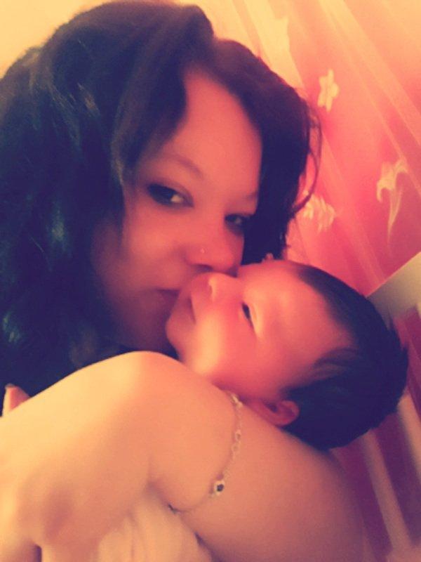 Ma fille et moi 2 semaines après la naissance