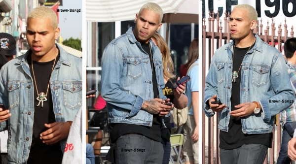 13/03/11: Chris Brown a été aperçu  en train de faire du shopping à Los Angeles.