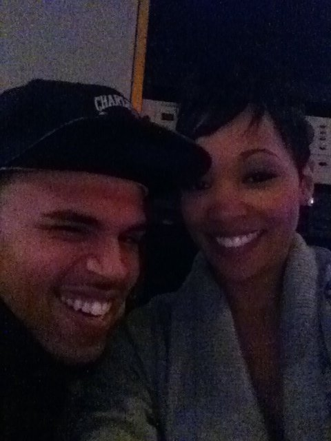 13/04/11: Chris Brown en compagnie de Monica au studio !