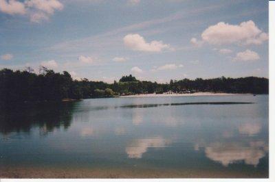 Pêche en Dordogne, le lac de Gurson, un joli plan d'eau.