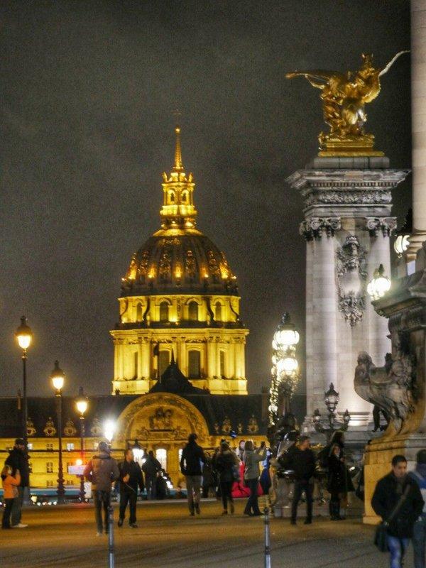 Du pont Alexandre III vers les Invalides, la nuit !
