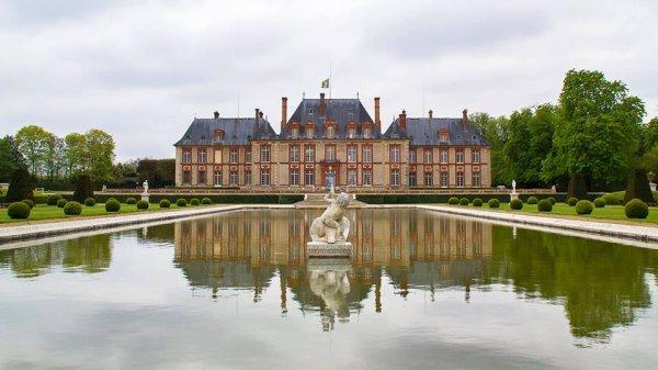 Magnifique château de Breteuil !