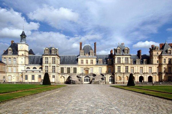 Le château de Fontainebleau et son célèbre escalier !